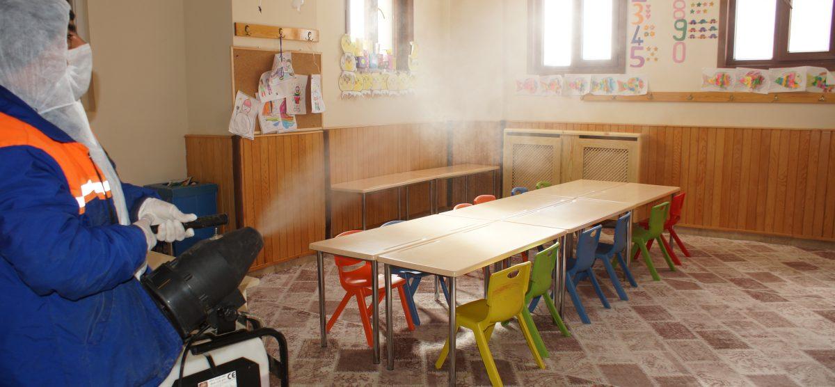 Çubuk'ta otobüsler, okul ve camiler ilaçlandı
