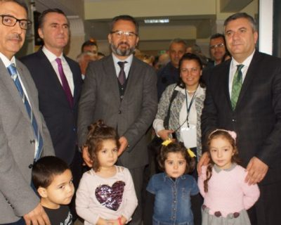 Çubuk'da Vatandaşlara Ücretsiz İşitme Testi Yapılıyor