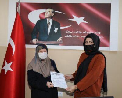 Çubuk Eğitim Gönüllüleri Derneğinde onursal başkanlığa Rabia Demirbaş getirildi