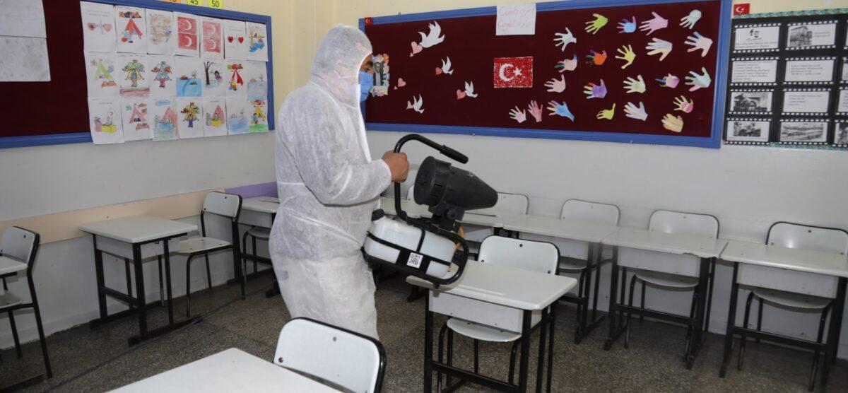 Okullar Yüz Yüze Eğitim İçin Dezenfekte Ediliyor