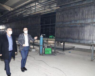 Belediye Başkanımız Demirbaş, kurulumu devam eden eldiven fabrikasını ziyaret etti