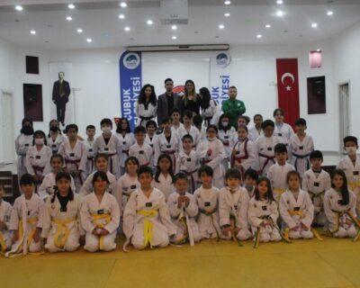 Çubuk'ta judo kuşak sınavı yapıldı.