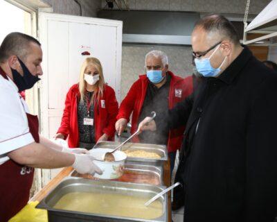 Çubuk'ta İhtiyaç Sahibi Ailelere İftar Yemeği