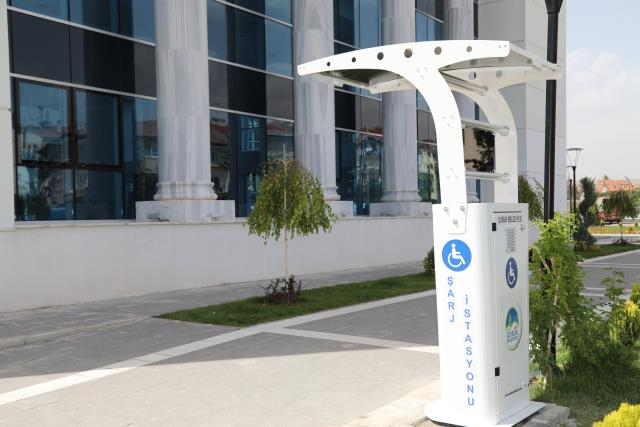 Çubuk'ta engellilere akülü araçları için şarj istasyonları kuruldu
